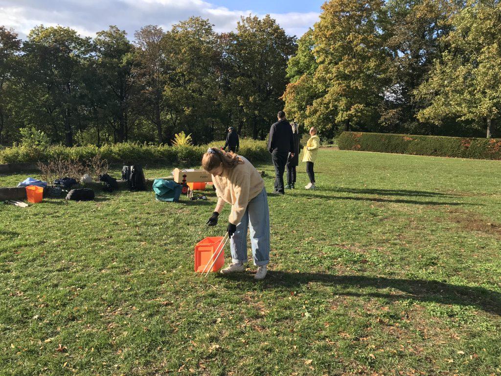 Beim Cleanup an der Villa Berg