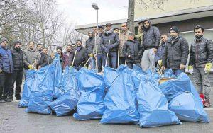 Muslimische Gemeinde räumt bundesweit Silvester-Böller weg – 6.500 Helfer!