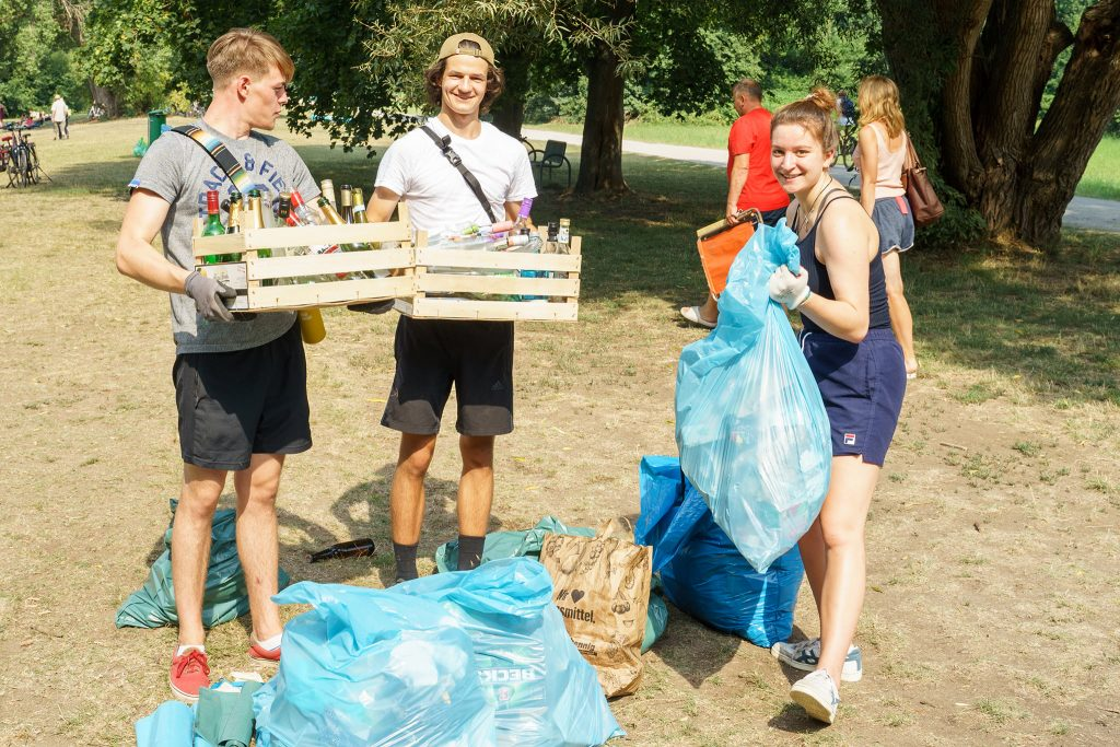 cleanup hannover müll in park