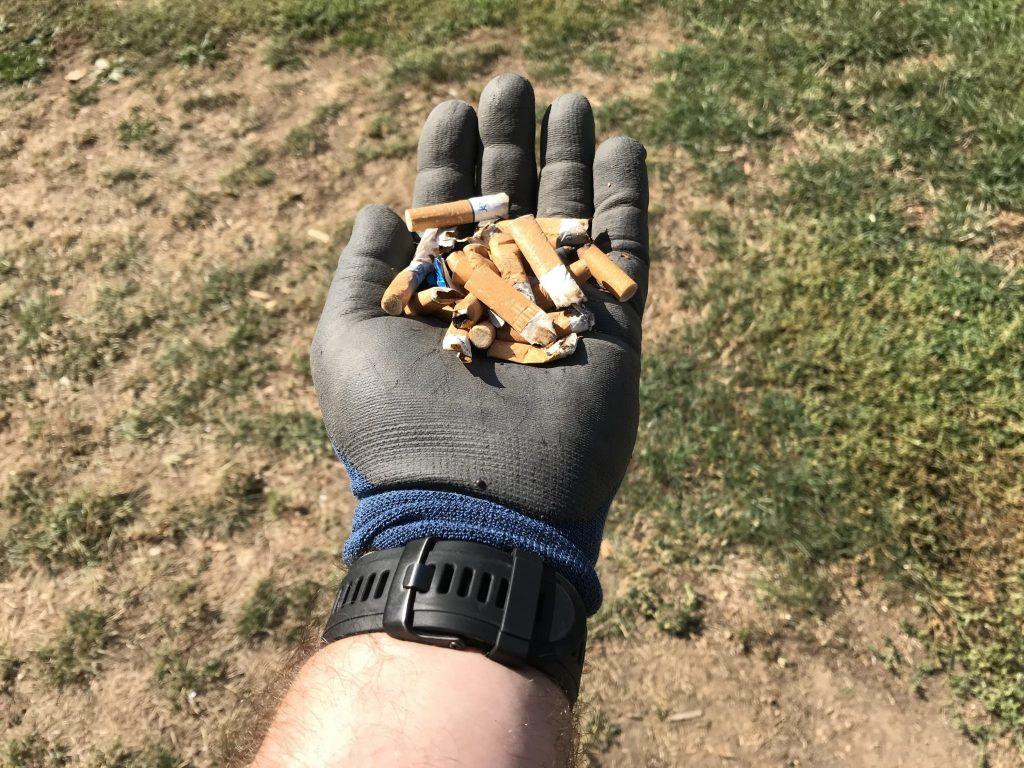 Zigarettenstummel belasten die Umwelt