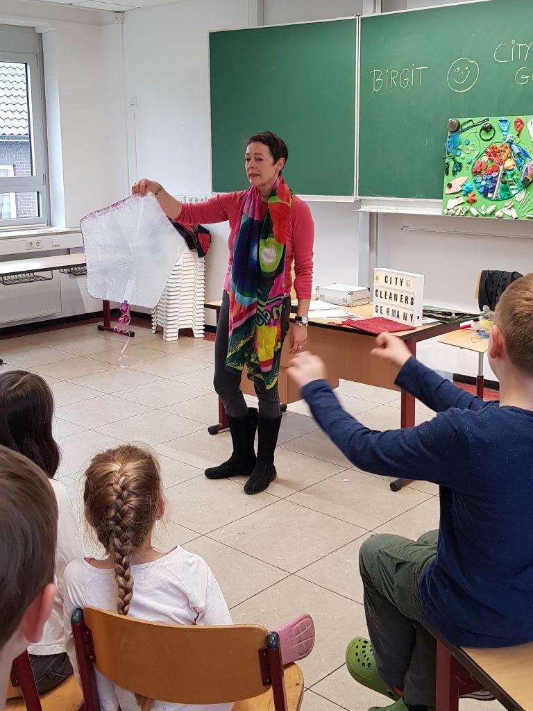 Plastikfolie - Plastikkunde an Grundschule